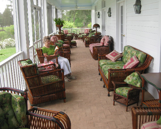 - Antique American Wicker: Michael Donovan And James Butterworth